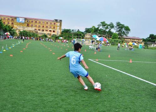 Thí sinh có thể lựa chọn đá bóng để thi trường thể dục thể thao