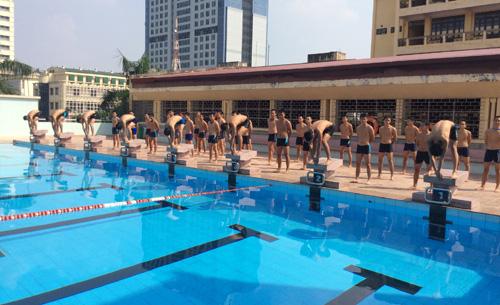 Nhiều ý kiến tán thành luật phải biết bơi mới được thi đại học