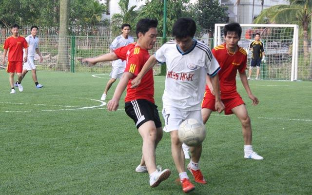 Bóng đá phủi giúp người chơi rèn luyện sức khỏe